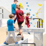 kids-klettern-bouldern-parkour-bewegung-stuntwerk