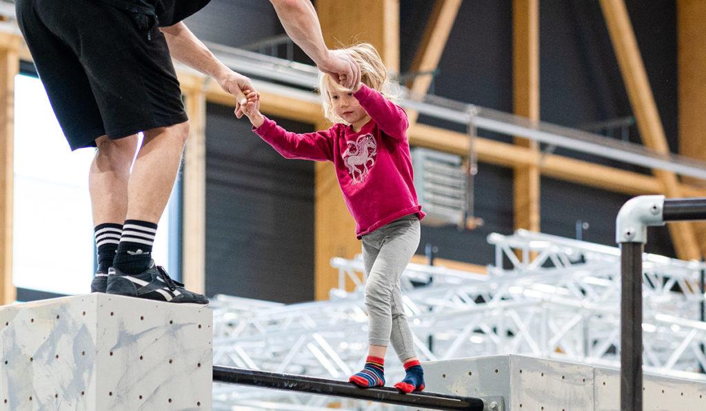kinder-rosenheim-stuntwerk-bewegung